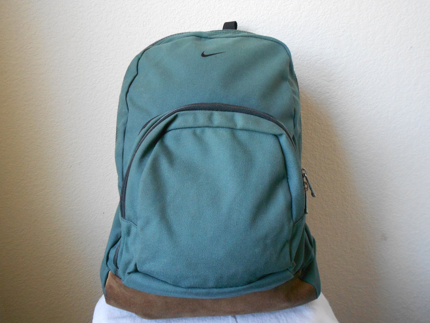 Large NIKE Green Back Pack 1990s LEATHER - TheVintageGoodyShop