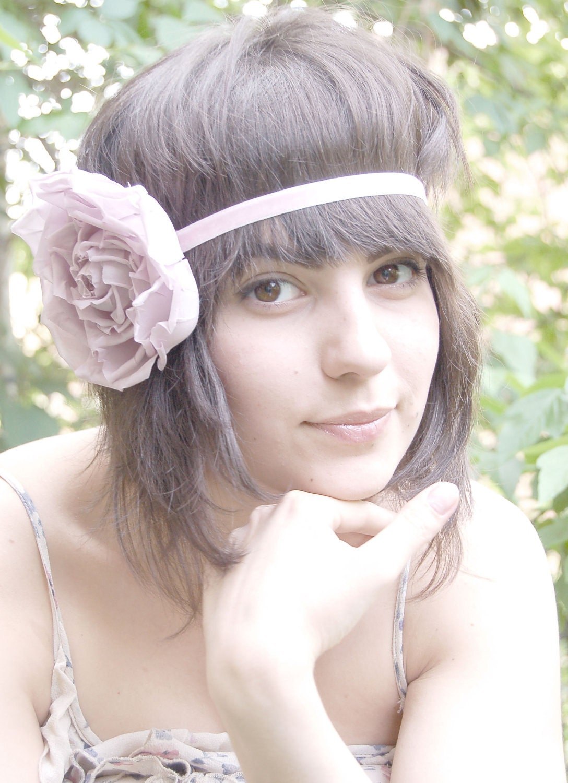 Bohemian pale lilac silk fabric flower elastic headband - ModaMakovera