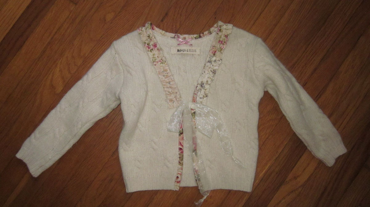 Girls SWEATER size 3 to 4  with RUFFLES