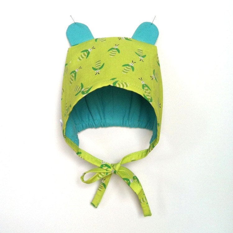 Green Bee Bear Cub Bonnet