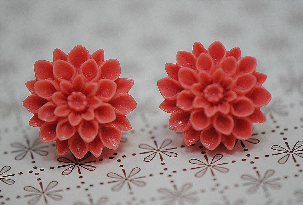 MUM Earrings - Blood Orange, Paprika, Orange Red Chrysanthemum Stud Earrings