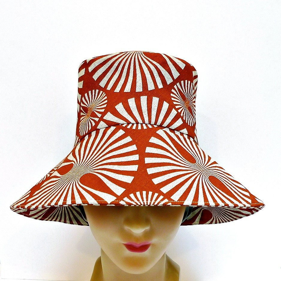 Retro Sun Hat in Burnt Orange Pinwheel Canvas