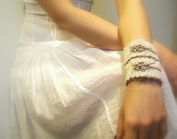 Crochet Cuff, Wedding Bracelet, Handmade, Ivory, Cotton Yarn, Toggle Clasp, Copper, Chain - JustColor