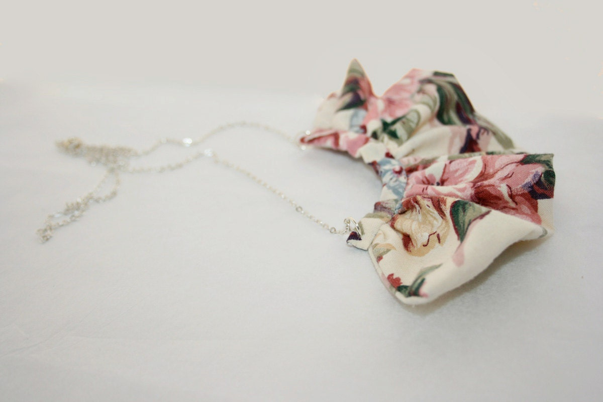 Floral Ruffle Necklace
