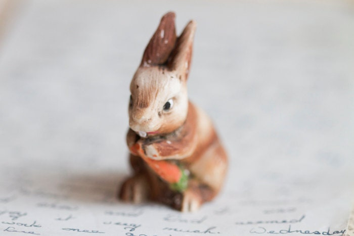 Little Bunny - Ceramic Rabbit Figure - Hand Painted - Regal - Meanglean