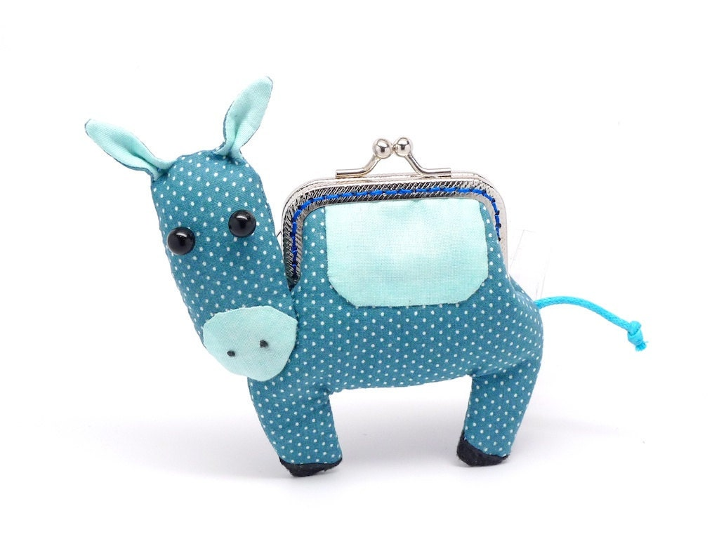 Little elm green donkey clutch purse