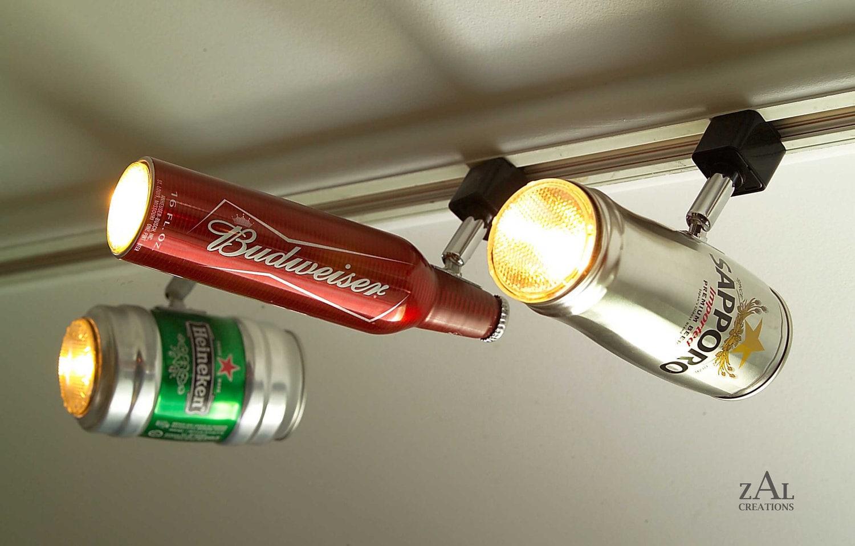 Latas de cerveja viram luminárias na decoração do bar – Matéria Incógnita