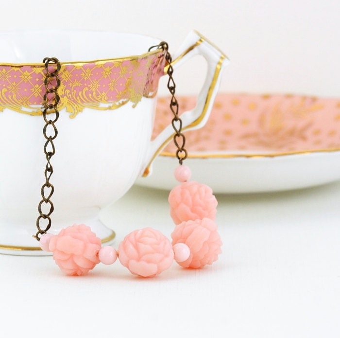 Pink Jewelry - Pink Beaded Necklace - Vintage Pale Pink Carved Rose Beads on a Brass Chain, Gift For Mom - JacarandaDesigns