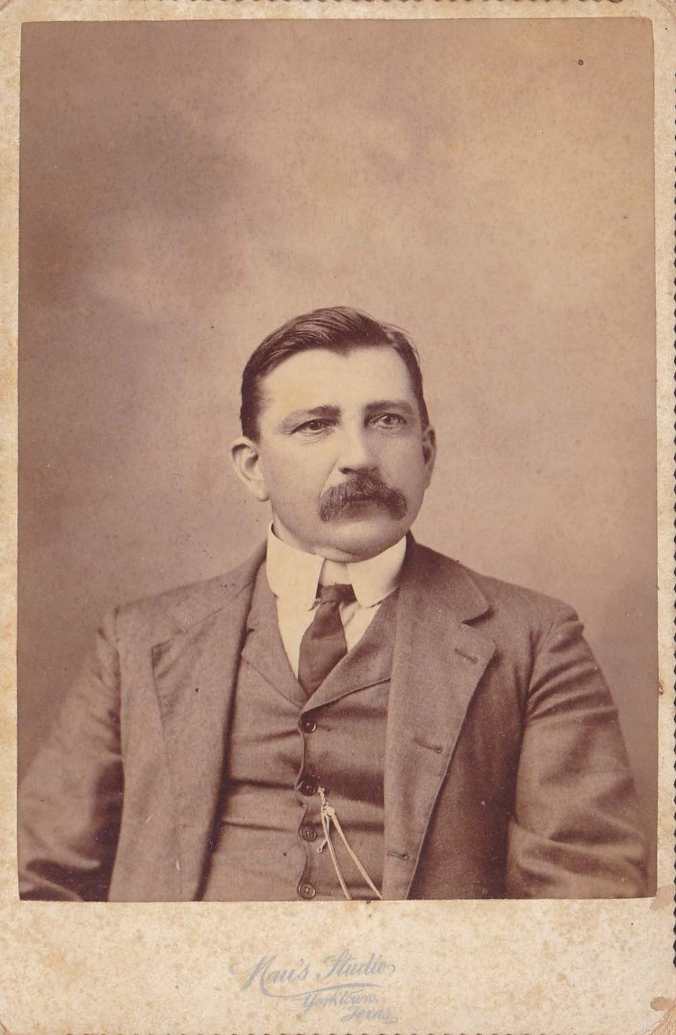 Wonderful Antique Cabinet Card from the Late 1800s-148