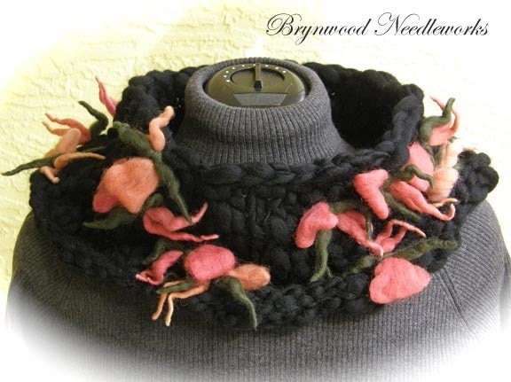 Flower Cowl - Black