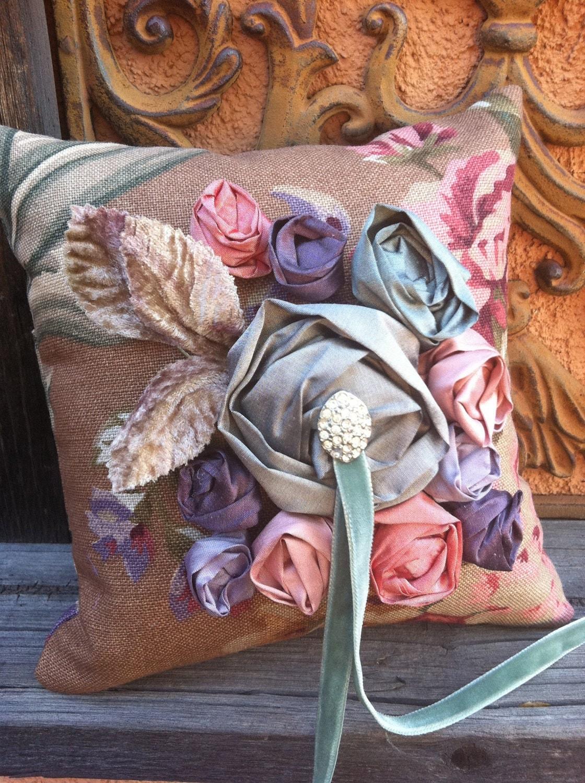 Виктория кольцо подушки