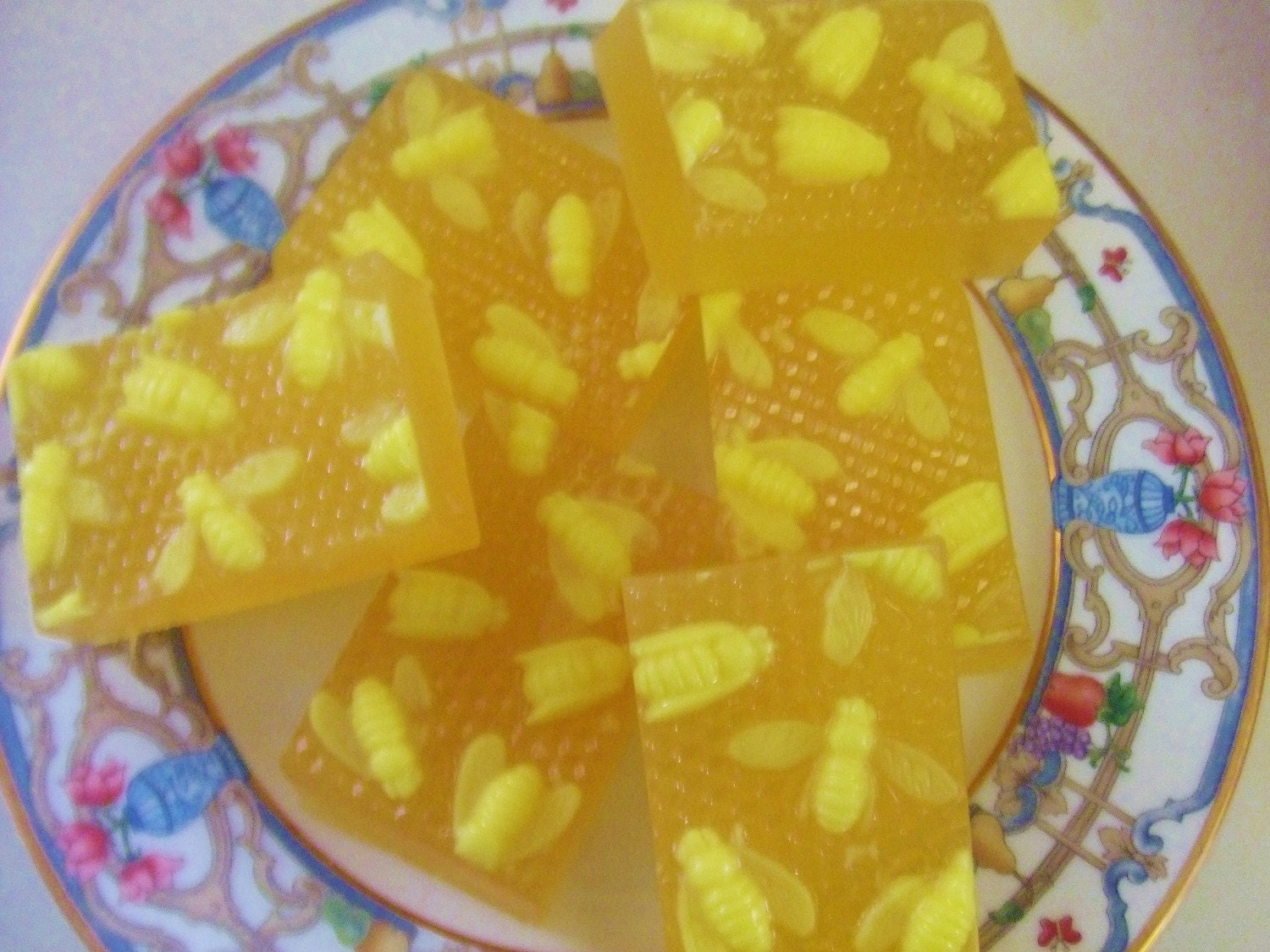Natural Glycerin SOAP Spring Honey FRENCH BEE River Girls Meant to Bee (1) Bar