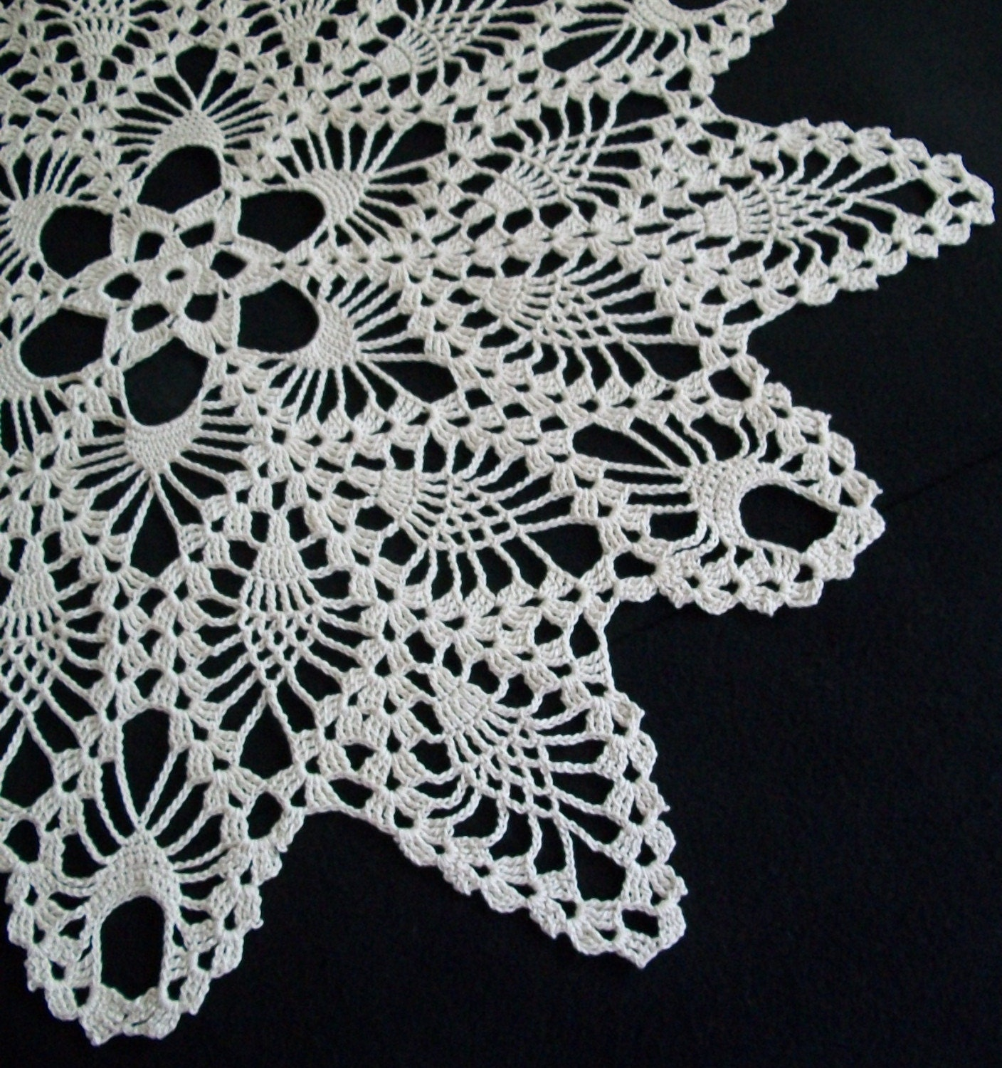 Crocheting Lace For Beginners : CROCHET DOILIES WITH Crochet For Beginners