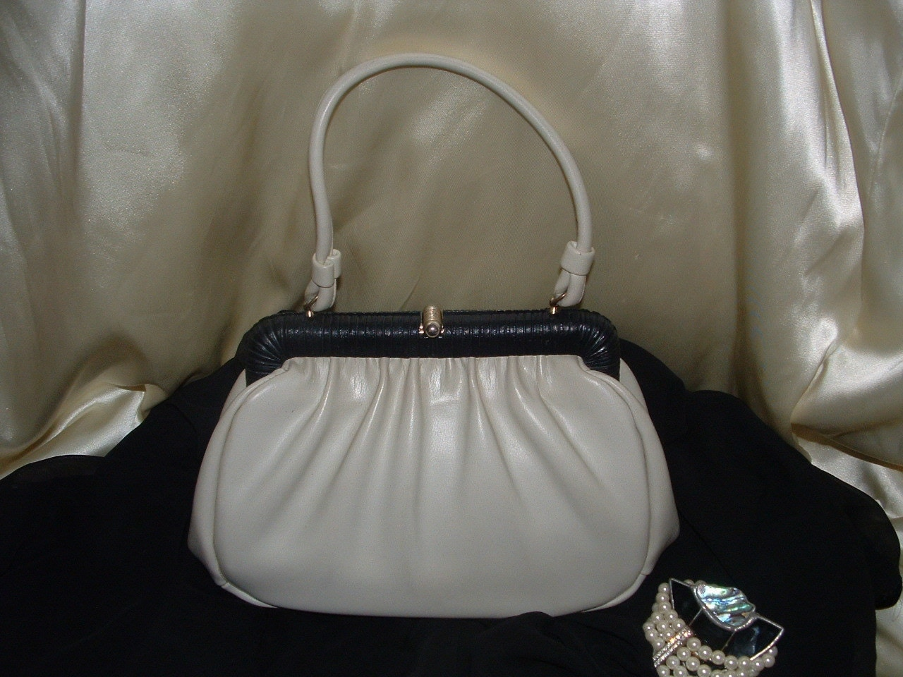 Vintage Ecru-Winter White Elegant Handbag