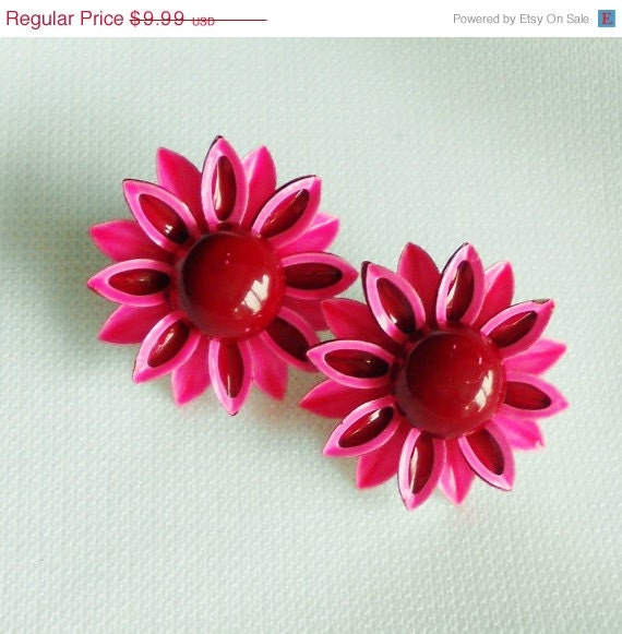 SALE Hot Pink Daisy Earrings - normajeanscloset