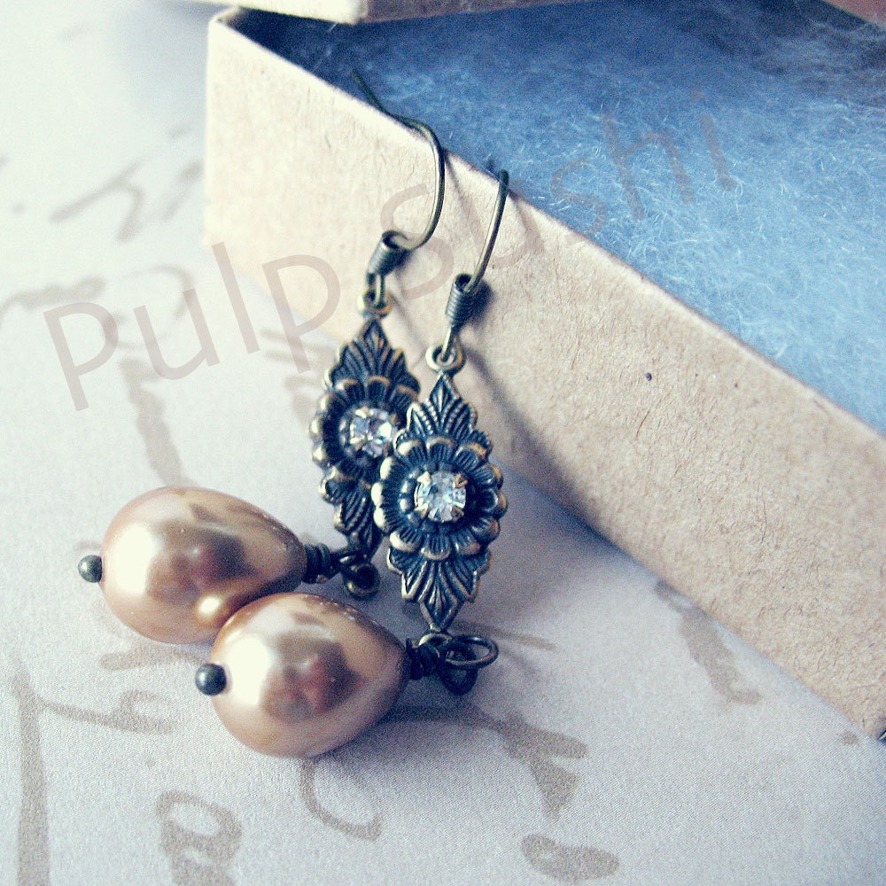 Pearl Coat Drop Dangle Earrings - Vanilla Latte - Wedding Bridesmaid Gift - swarovski crystals - pulpsushi