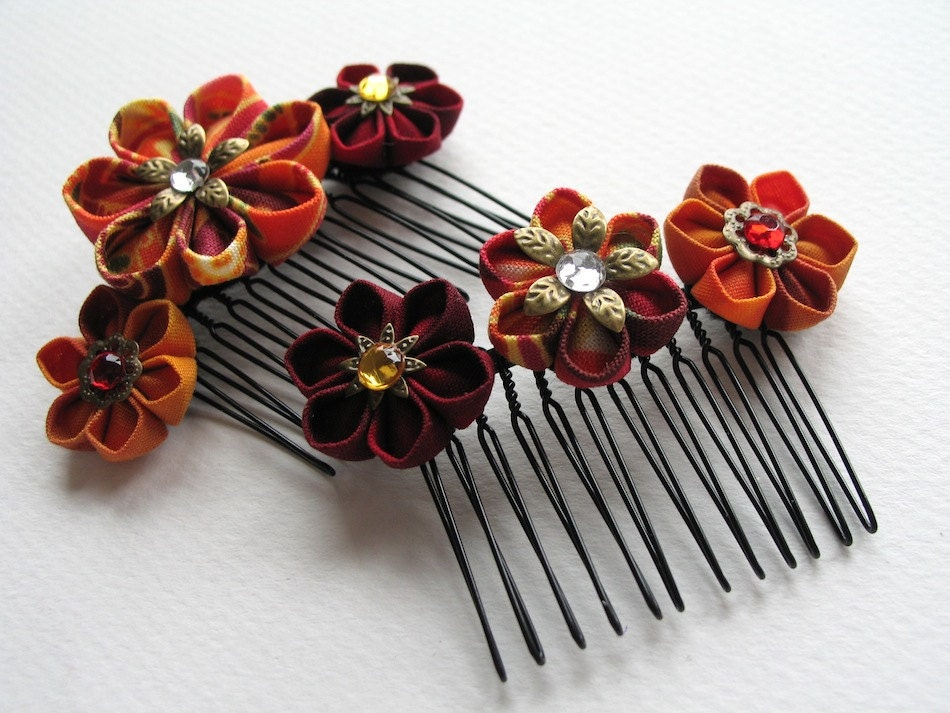 Fire Caller Pair of Kanzashi Hair Combs in Red and Orange - MountainMusings