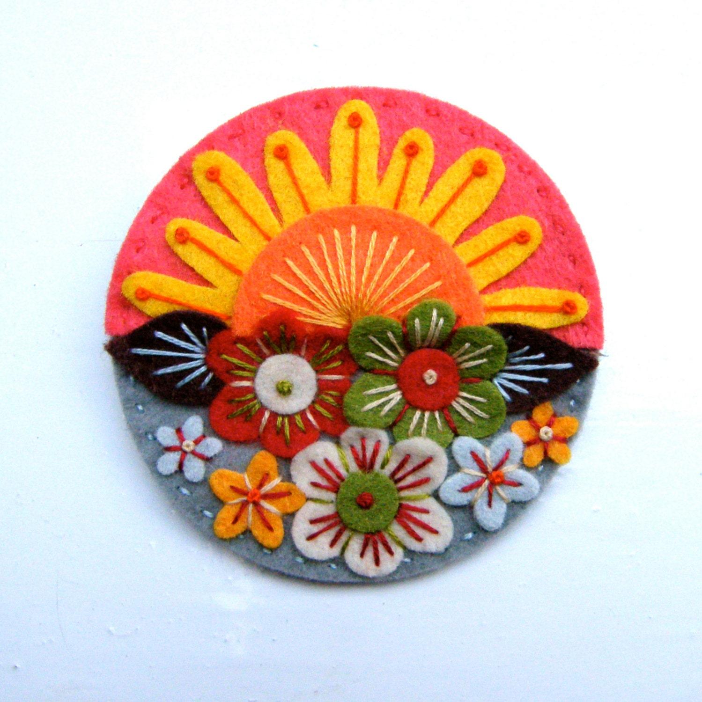 çiçekli broş