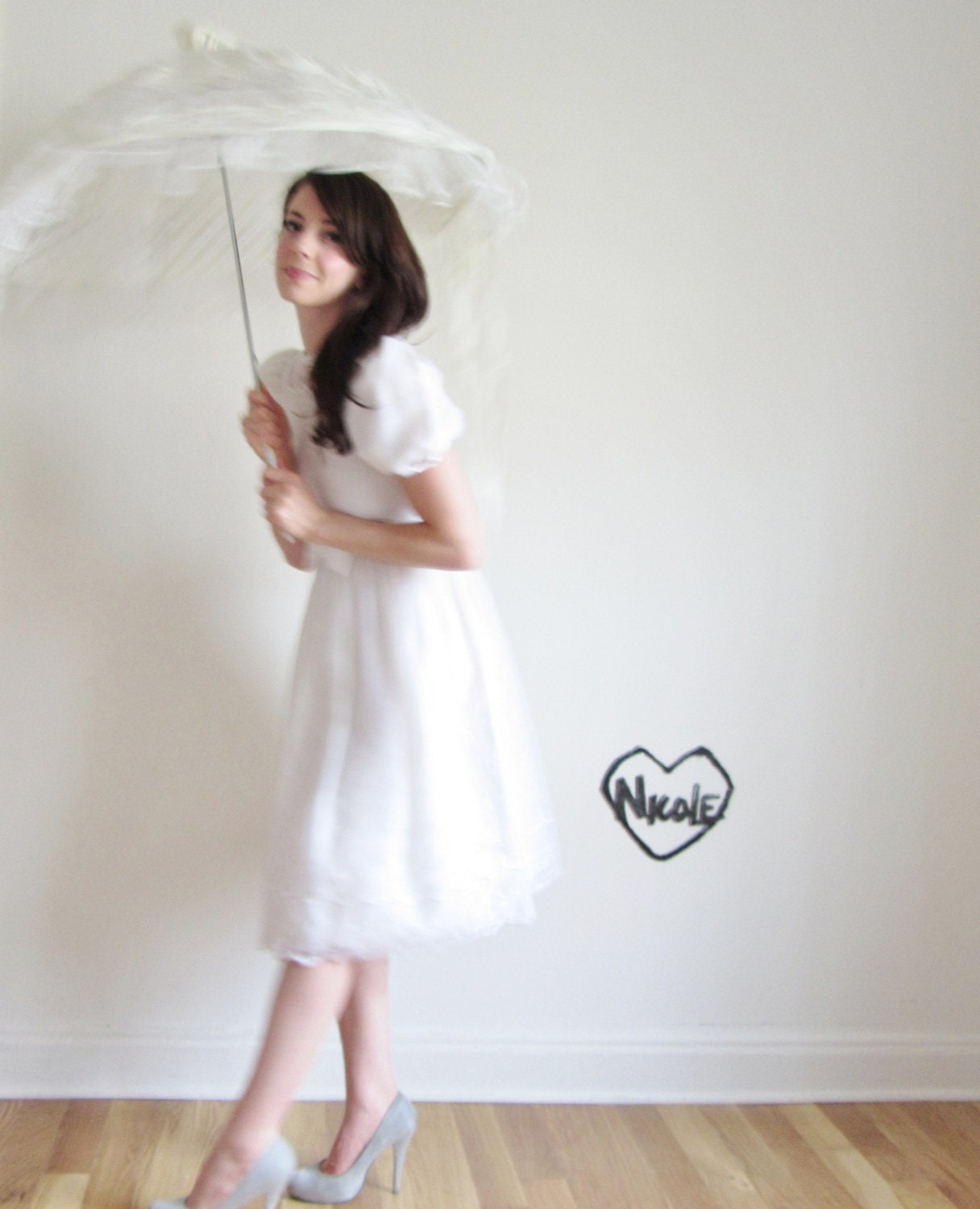 r e s e r v e d white lace parasol . frilly ribbon umbrella . oh my - DOTTO