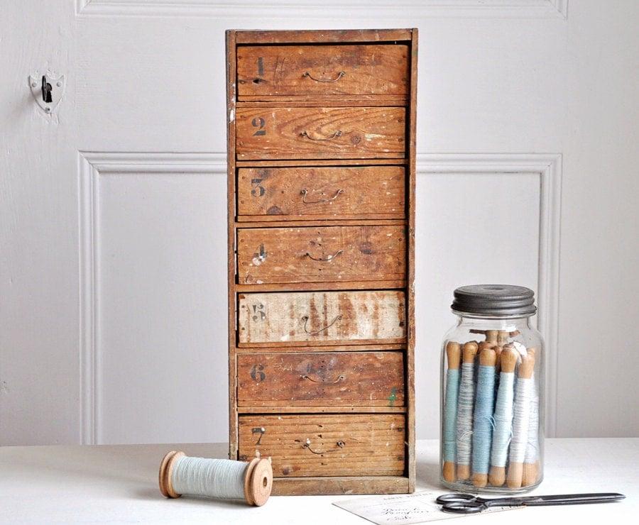 vintage set of rustic wooden drawers - petitsdetails