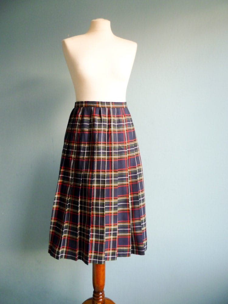 Vintage pleated skirt tartan plaid navy blue multi color medium large