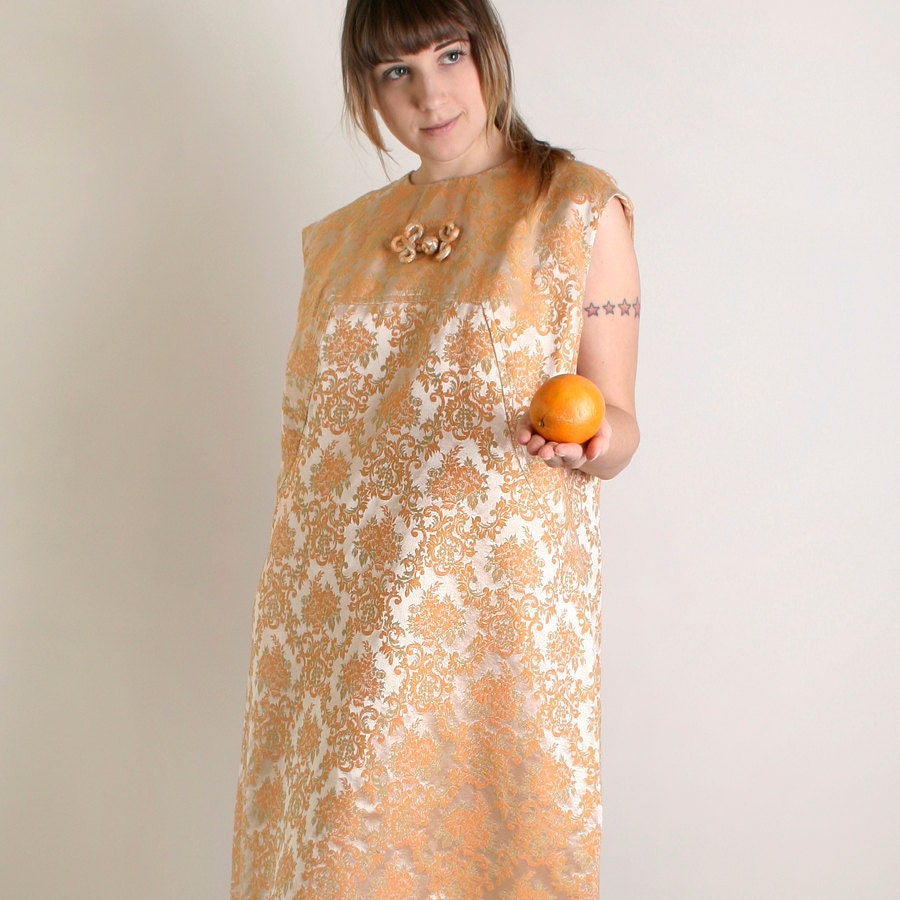 Vintage Cocktail Dress - Plus Size Floral Brocade Twiggy Dress in Light Spring Peach - zwzzy