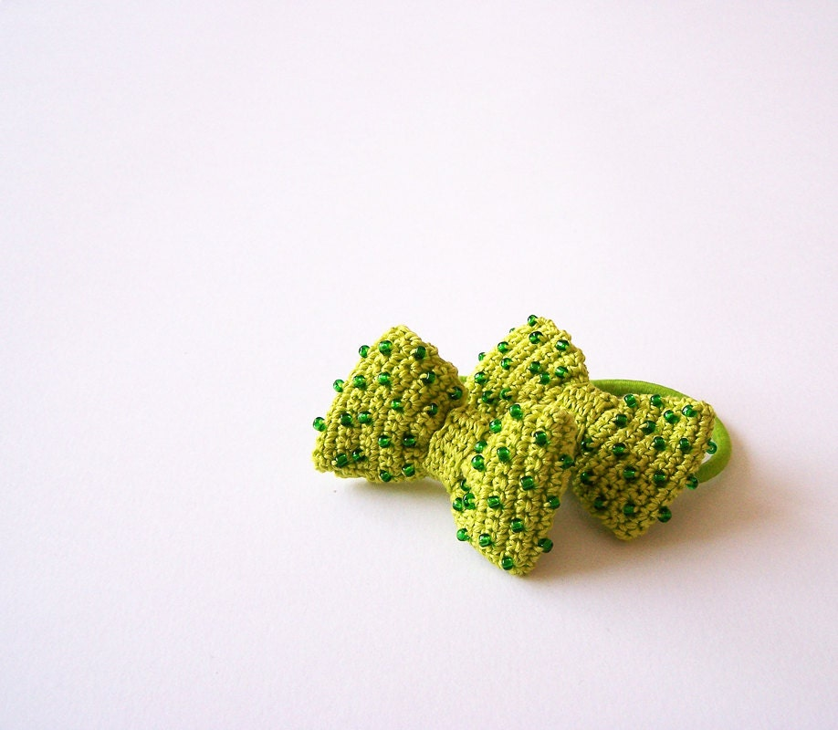 Lime green crochet ponytail holders, beaded bow set of 2, hair accessories - fancyloopslj