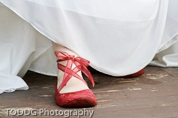 Upturned Toe All Red Satin Slippers with Lace Cutout Overlay and Ballet Ties - uku2