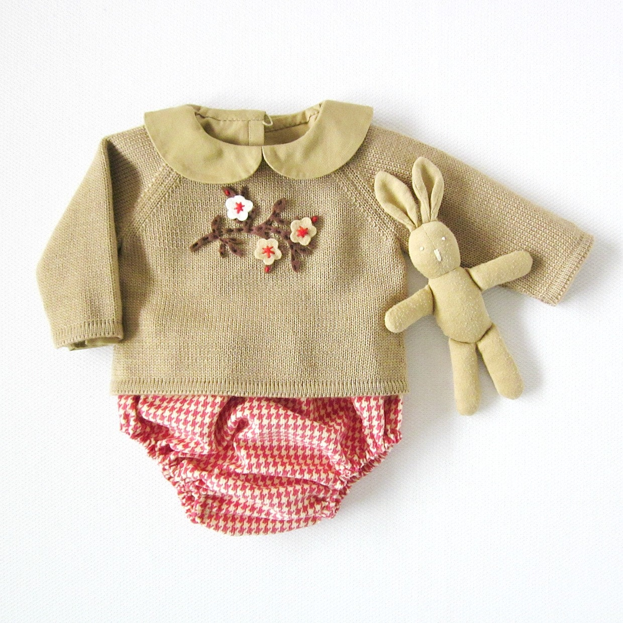 Knitted sweater with diaper cover in camel and red by tenderblue