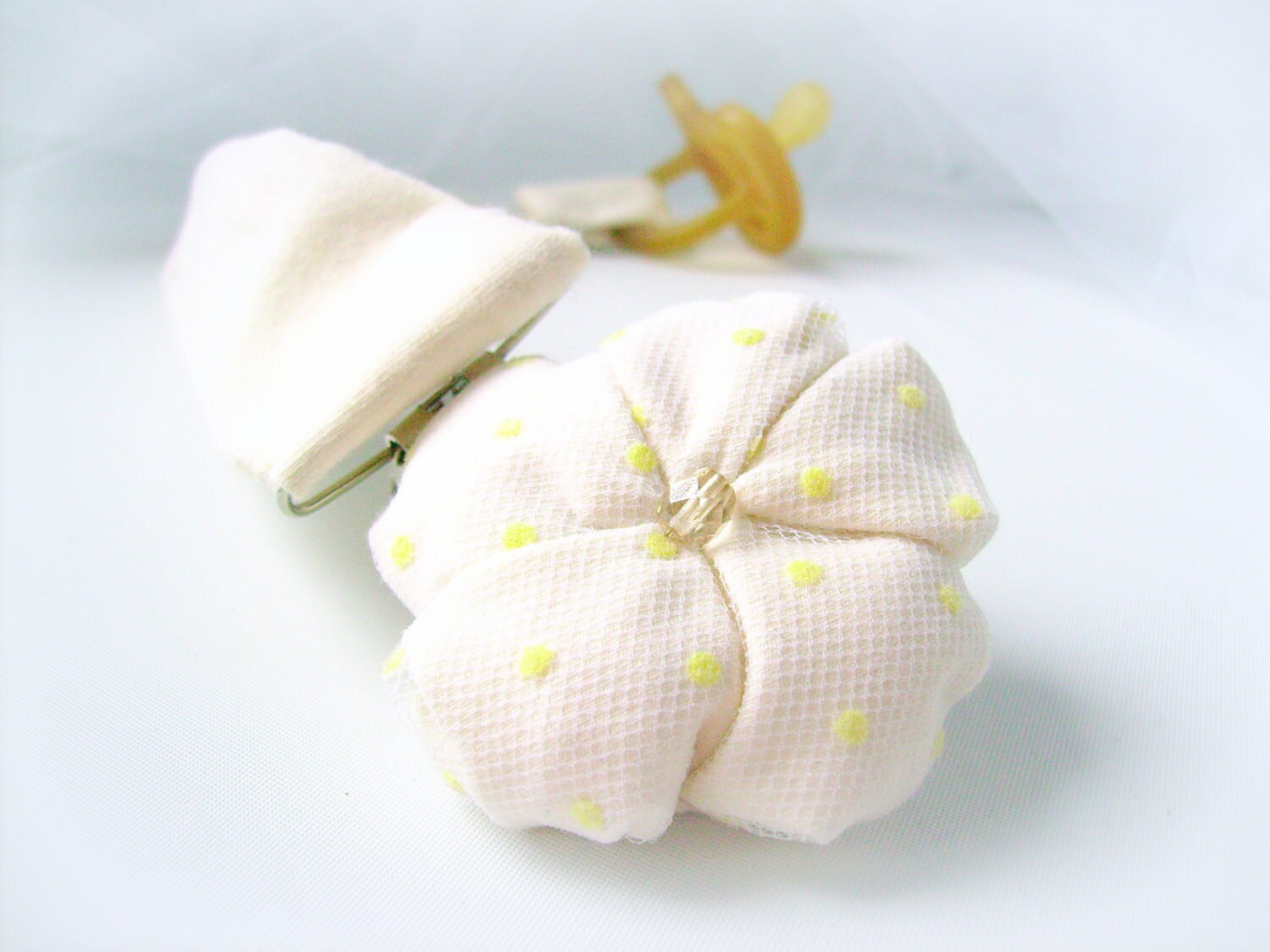 Dummy holder fabric flower baby girl newborn gift handmade  - ready to ship - mapano