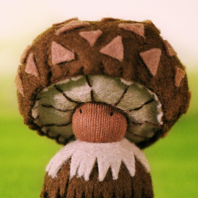 Mushroom Miniature Felt Plushie / Bilo /green/ brown