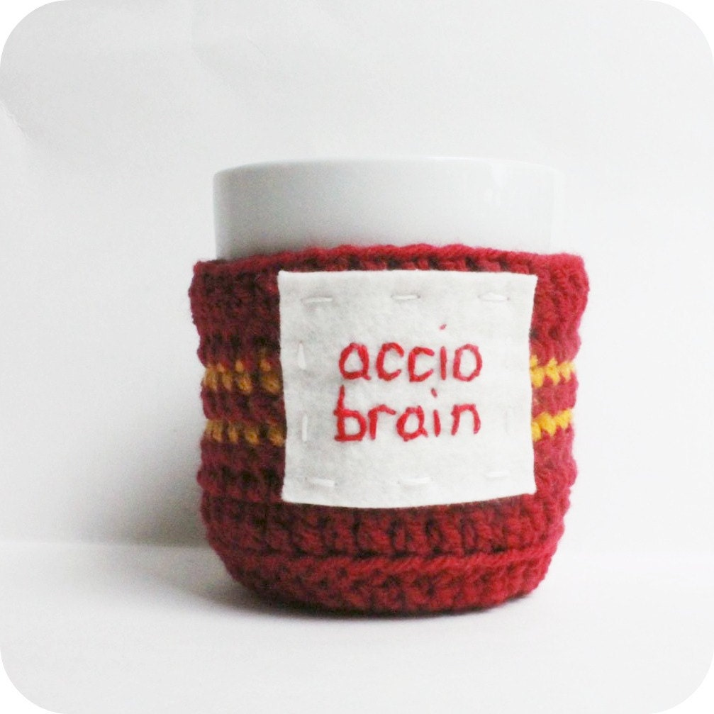 Coffee Mug Tea Cup Cozy Accio Brain red yellow crochet cover