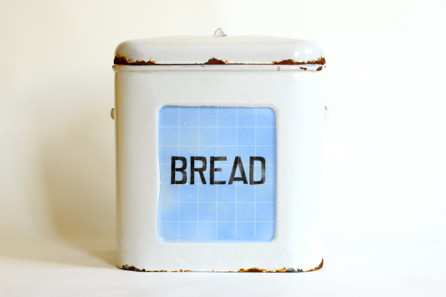 Vintage Enamel Bread Box - Farmhouse Kitchen Art Deco - CrolAndCo