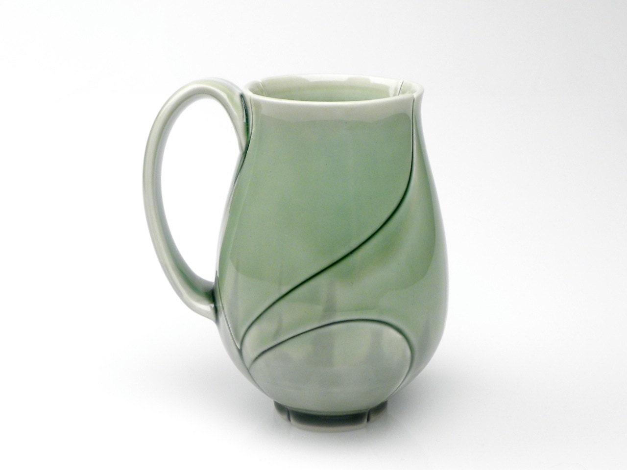 Tall Large Green Lotus Mug 18 Ounce Emerald Green - CampanaCeramics