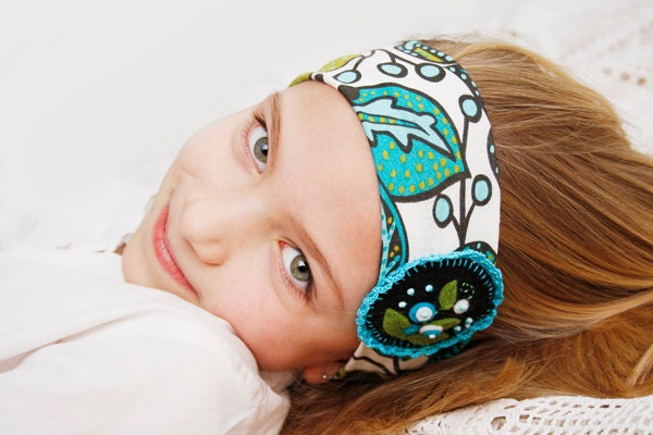 Fabric headband with flowers applique and crochet for girls - bboutiquebeauties