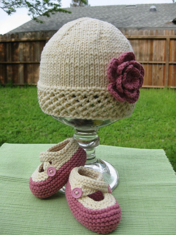 Baby girl hat booties set