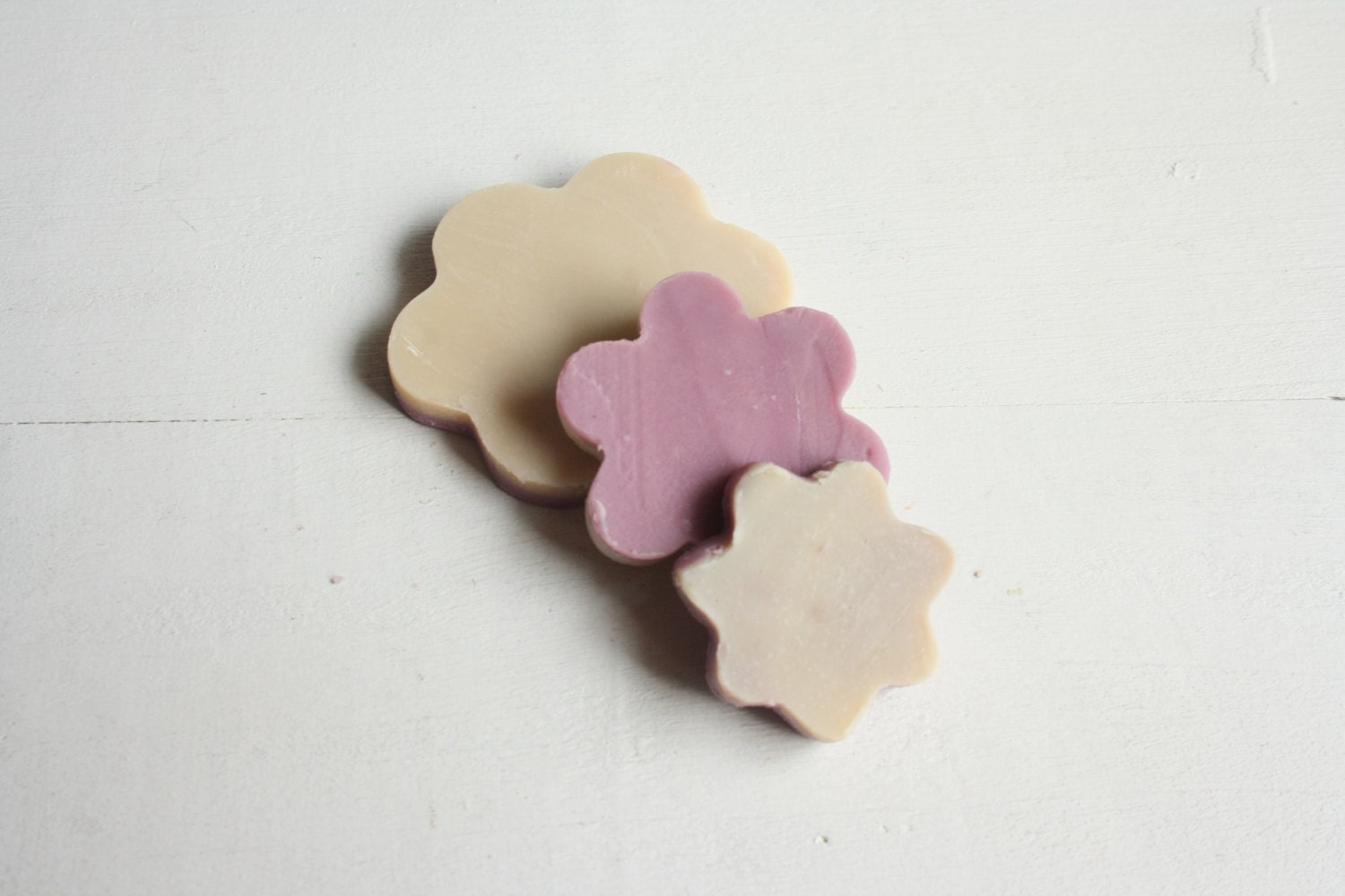 Flower Wedding Favour Sample / Party Favor Flower Shaped mini soap / Baby Shower Favor Soap in organza or tulle pouch. - NaturalBeautyLine