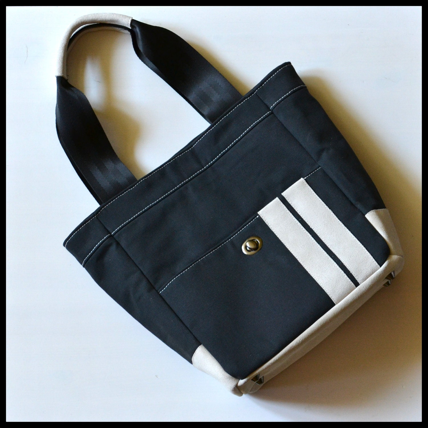 Everyday tote bag in black canvas and white suede leather