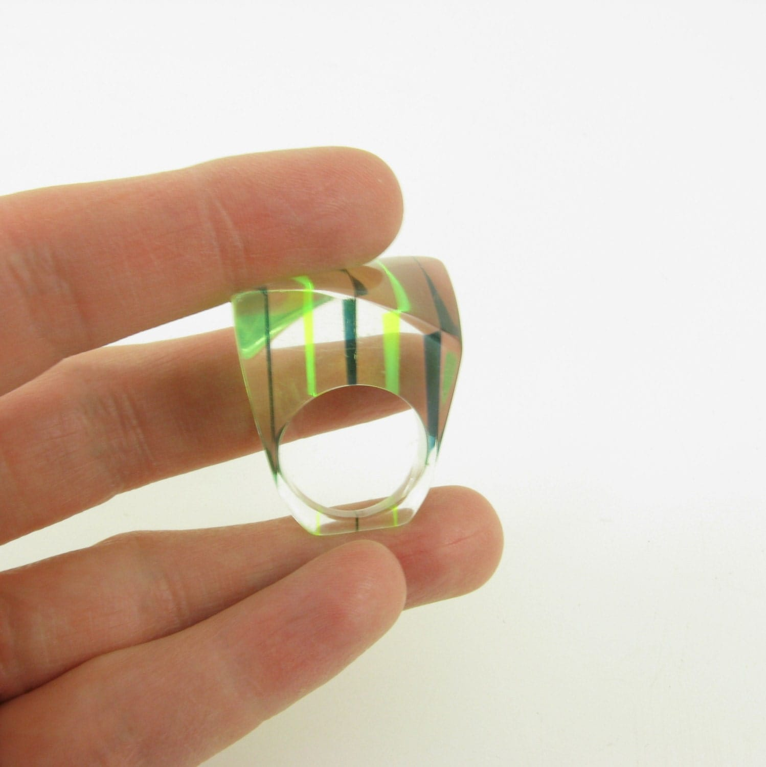 Vintage 1960s Mod Geometric Lucite Ring w/ Green Stripes - 7 7.5 - TwoMoxie