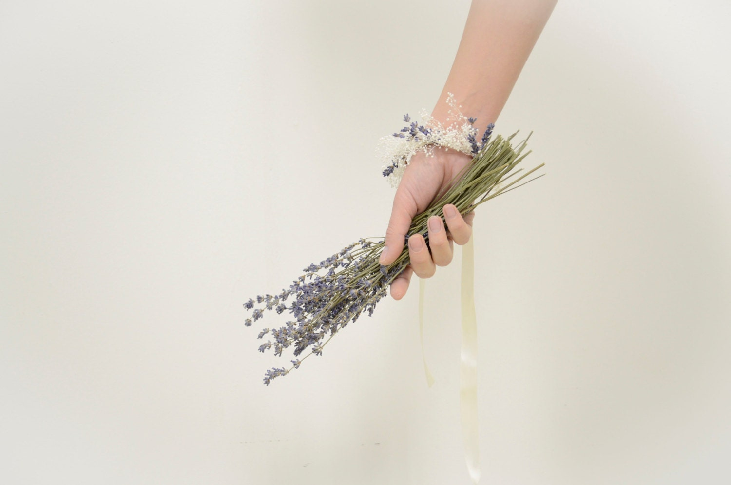 Lavender and Baby's Breath Bracelet with Natural Dried Flowers - WoodlandSecrets