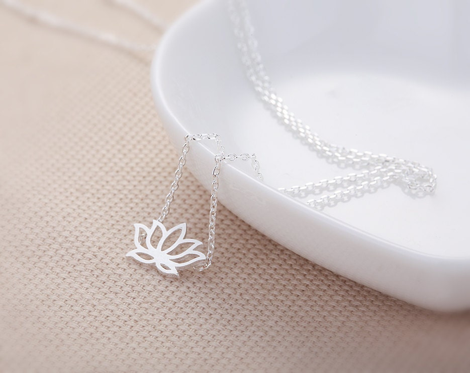 Lotus Flower Necklace - Silver // N062-SV //  flower necklace,lotus pendant necklace,cute necklace,unique necklace,women necklace