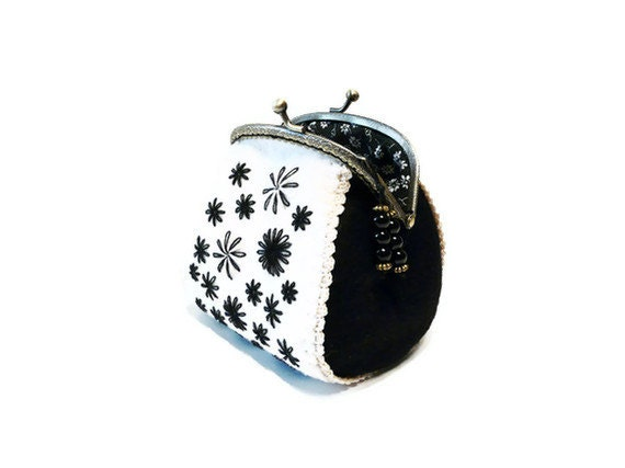 Felt coin purse in black white colors with hand embroidery - myRainbowWorld