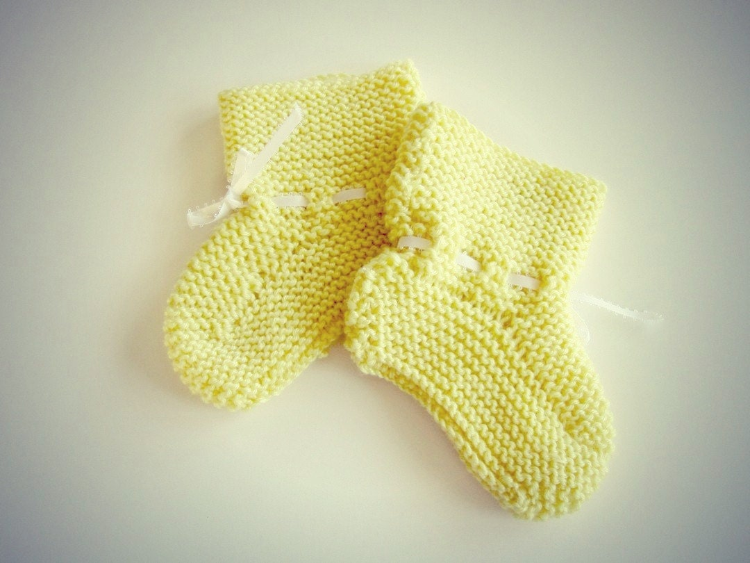 vintage baby booties handmade knit - OliversForest