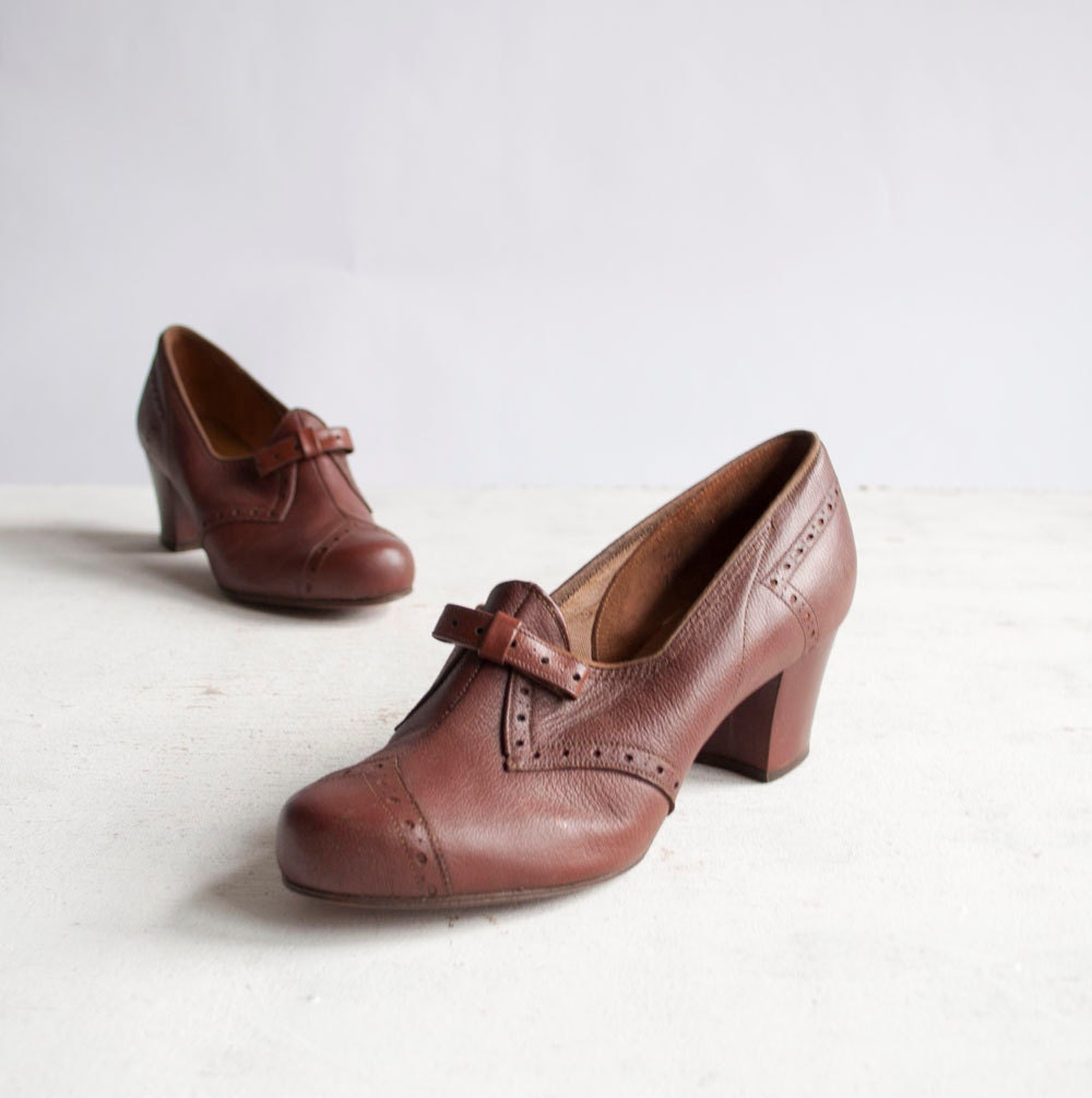 Vintage 40s Oxford Heels / Brown Leather / by GingerRootVintage from etsy.com