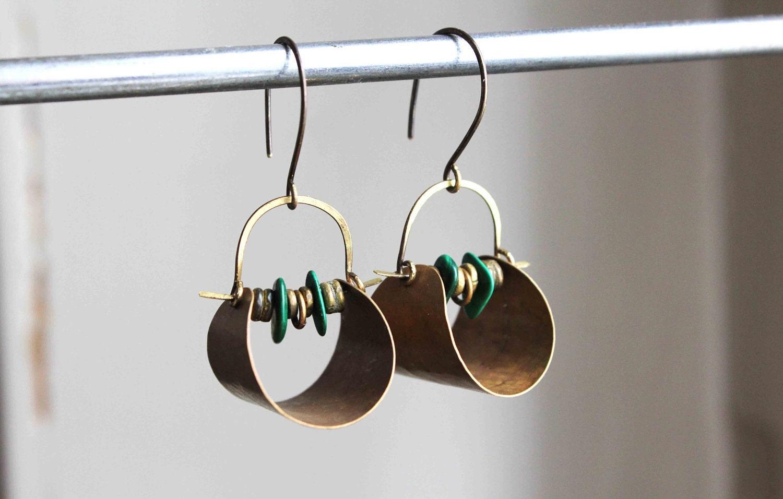 Vestales Boucles d'oreille ethnic chic vieil or et vert, laiton et malachite