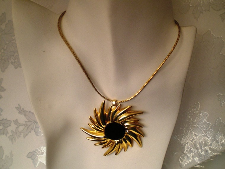 Vintage Necklace Matching Ring Swirl of bright gold with Black Enamel Center Just Reduced