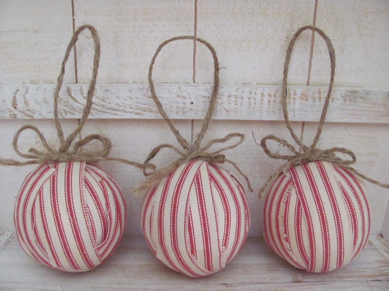 Красный Ticking ткани Рождество Rag шары X 3