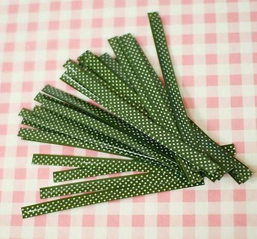 50 Dark Green Polka Dot pvc Twist Ties