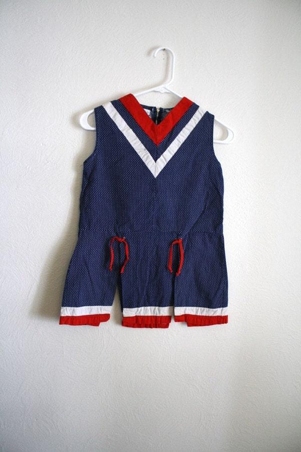 Charming Cheerleader: Vintage girls cotton cheer costume - WoollyMammothVintage