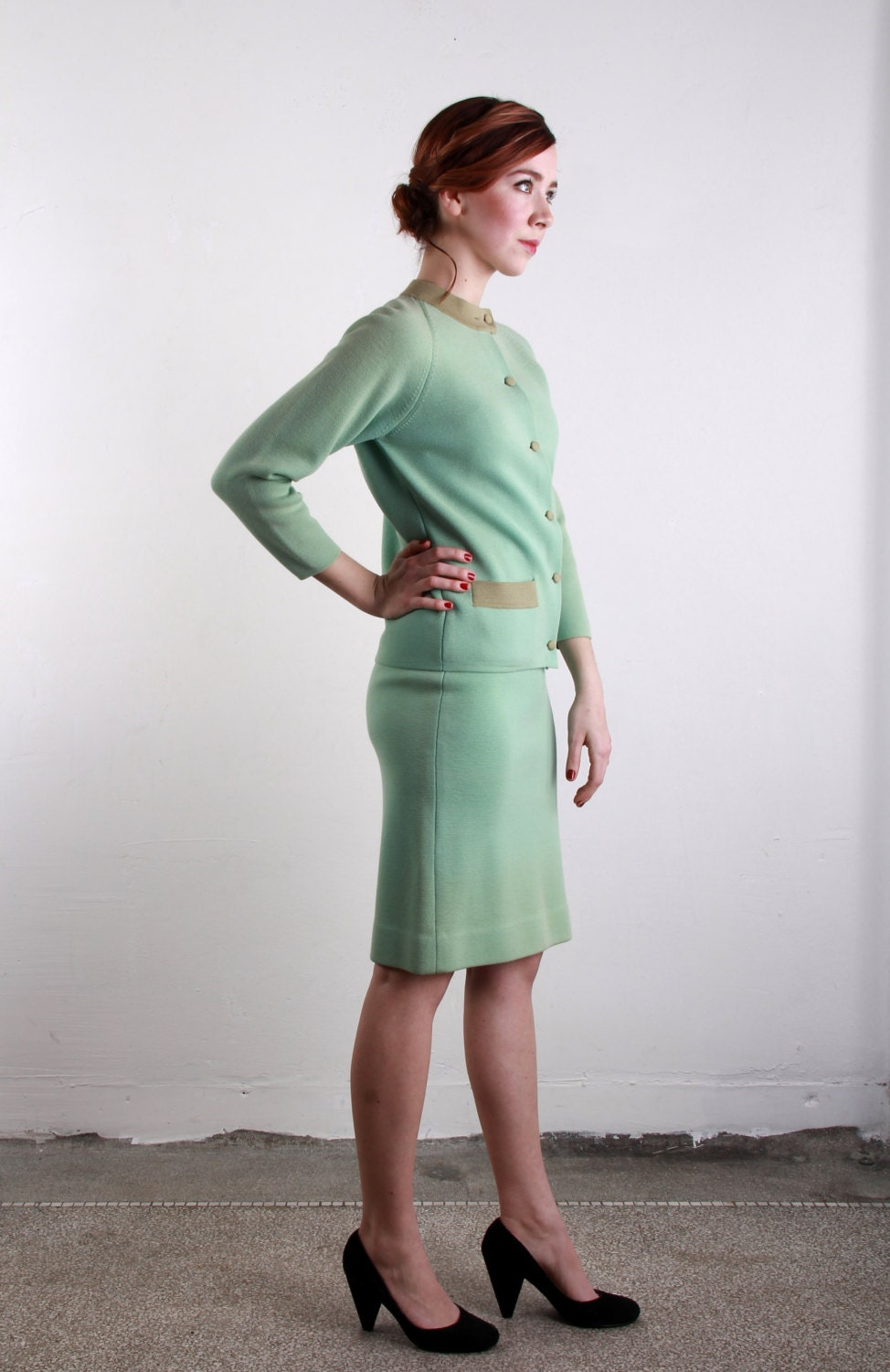 THE BIRDS Mint Two Piece Suit . Knit Top and Skirt . Business Attire - VeraVague
